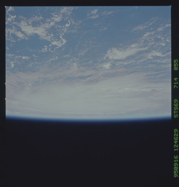 STS069-714-055 - STS-069 - Views of Hurricane Marilyn from STS-69 mission
