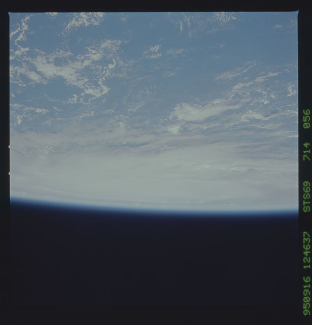 STS069-714-056 - STS-069 - Views of Hurricane Marilyn from STS-69 mission