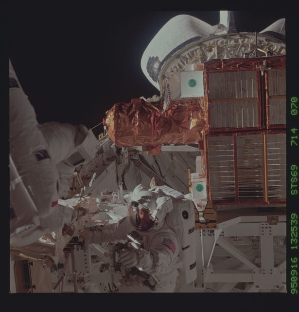STS069-714-070 - STS-069 - View taken during the STS-60 EVA