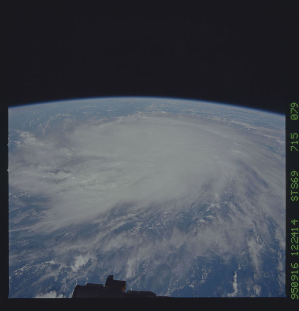 STS069-715-079 - STS-069 - Hurricane Marilyn as seen from STS-69
