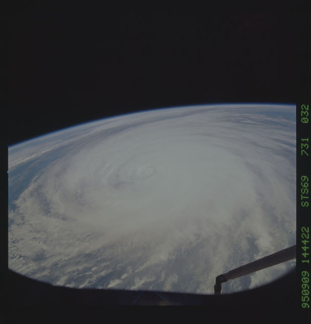STS069-731-032 - STS-069 - Hurricane Luis as seen during STS-69