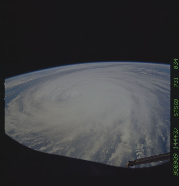 STS069-731-034 - STS-069 - Hurricane Luis as seen during STS-69