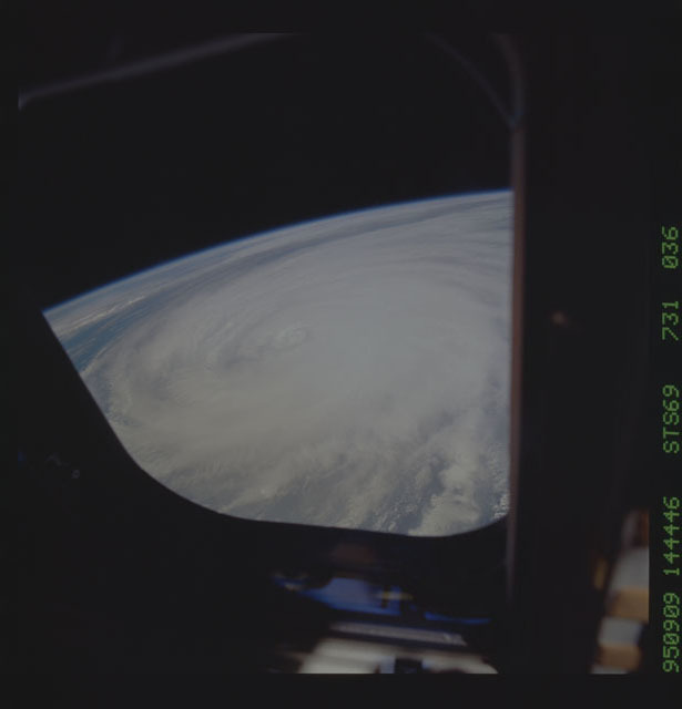 STS069-731-036 - STS-069 - Hurricane Luis as seen during STS-69