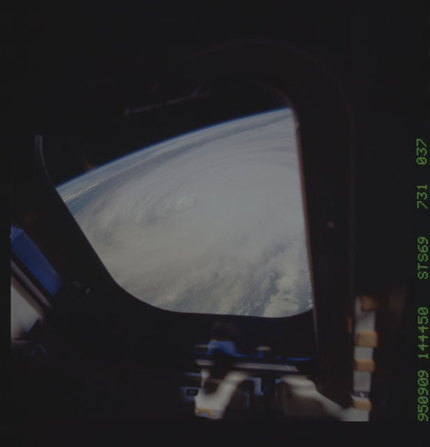 STS069-731-037 - STS-069 - Hurricane Luis as seen during STS-69