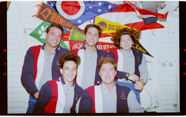 STS070-370-008 - STS-070 - STS-70 onboard crew portrait