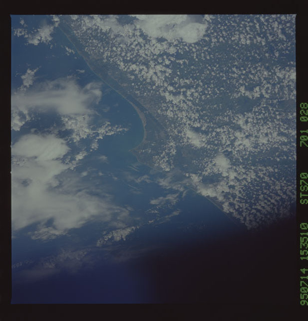 STS070-701-028 - STS-070 - Earth observations taken from shuttle Discovery during STS-70 mission