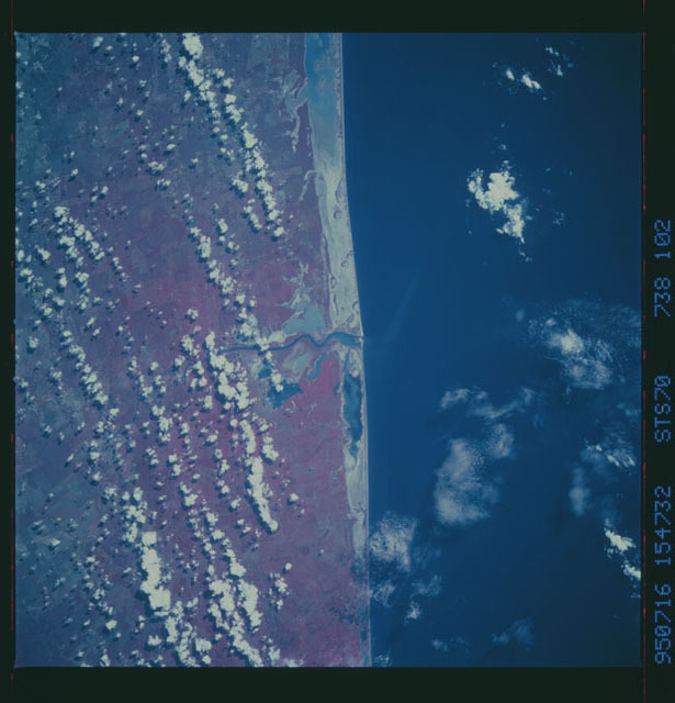 STS070-738-102 - STS-070 - Earth observations taken from shuttle orbiter Discovery on STS-70 mission