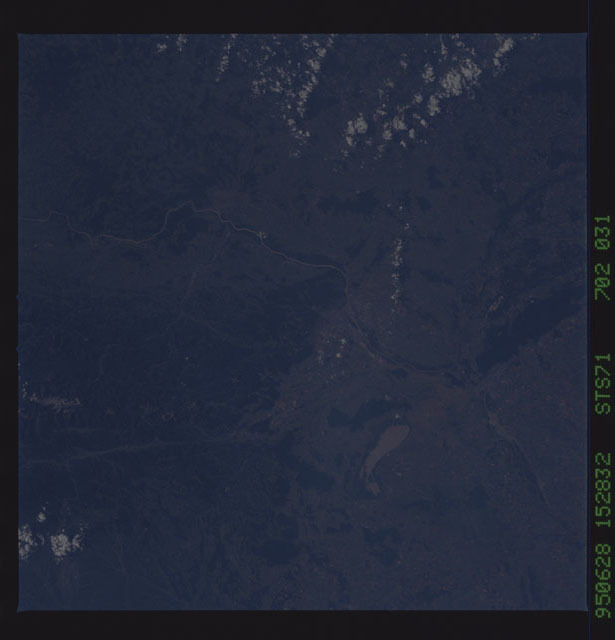 STS071-702-031 - STS-071 - Earth observations taken from aft flight deck windows