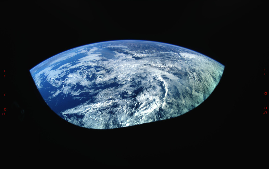 STS073-325-002 - STS-073 - Earth observations taken from shuttle orbiter Columbia