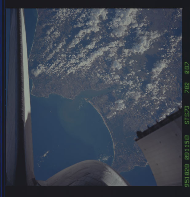STS073-702-087 - STS-073 - Earth observations taken from shuttle orbiter Columbia