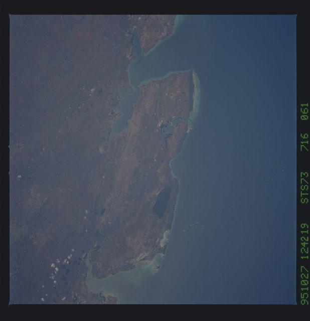 STS073-716-061 - STS-073 - Earth observations taken from shuttle orbiter Columbia
