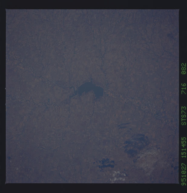 STS073-716-082 - STS-073 - Earth observations taken from shuttle orbiter Columbia