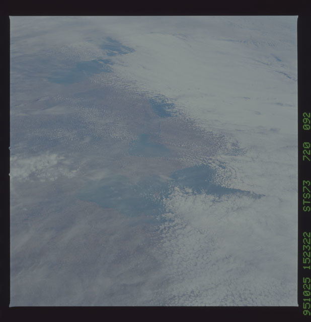 STS073-720-092 - STS-073 - Earth observations taken from shuttle orbiter Columbia