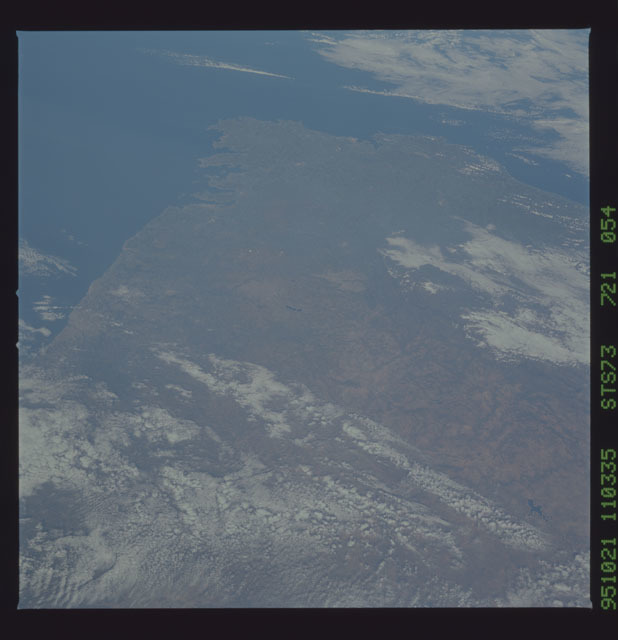 STS073-721-054 - STS-073 - Earth observations taken from shuttle orbiter Columbia