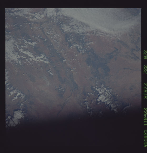 STS073-722-072 - STS-073 - Earth observations taken from shuttle orbiter Columbia