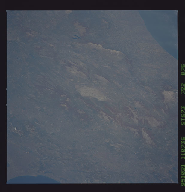 STS073-722-076 - STS-073 - Earth observations taken from shuttle orbiter Columbia
