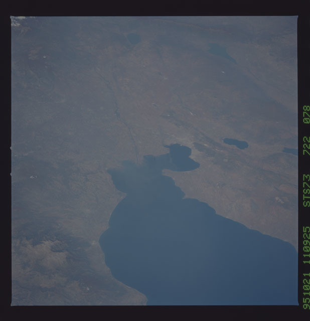 STS073-722-078 - STS-073 - Earth observations taken from shuttle orbiter Columbia
