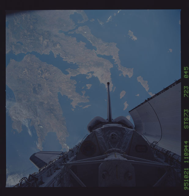 STS073-723-045 - STS-073 - Earth observations taken from shuttle orbiter Columbia