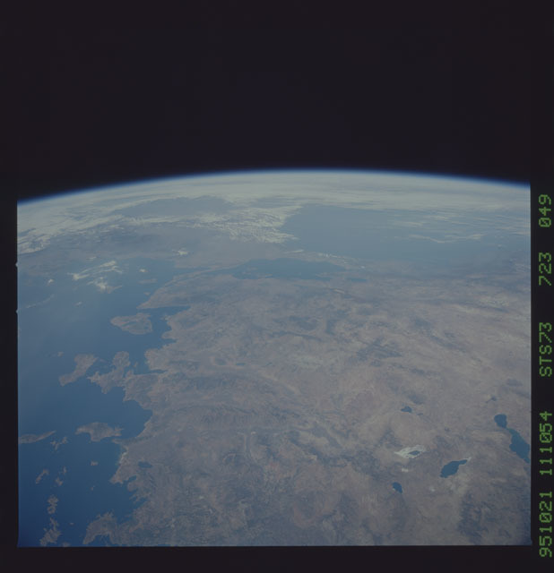 STS073-723-049 - STS-073 - Earth observations taken from shuttle orbiter Columbia