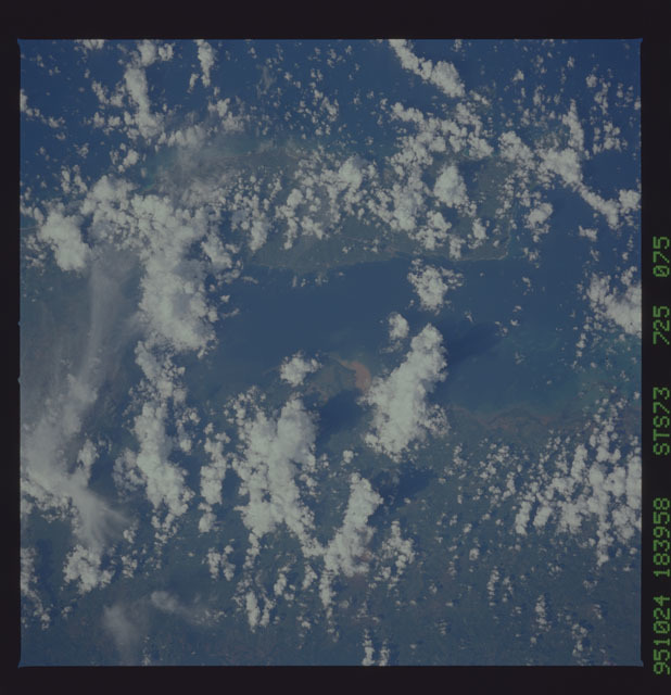 STS073-725-075 - STS-073 - Earth observations taken from shuttle orbiter Columbia