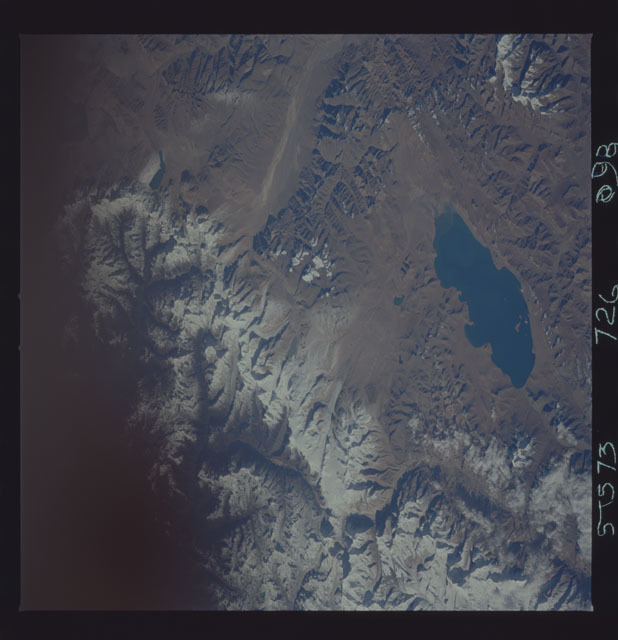 STS073-726-098 - STS-073 - Earth observations taken from shuttle orbiter Columbia