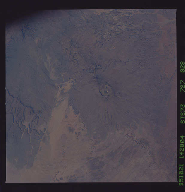 STS073-727-028 - STS-073 - Earth observations taken from shuttle orbiter Columbia