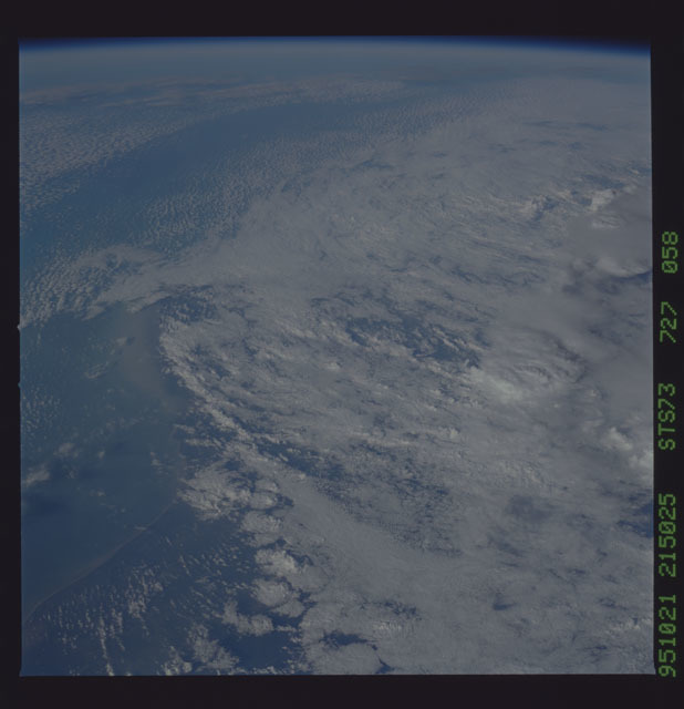 STS073-727-058 - STS-073 - Earth observations taken from shuttle orbiter Columbia