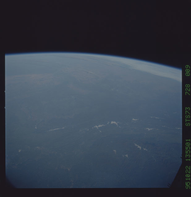 STS073-728-009 - STS-073 - Earth observations taken from shuttle orbiter Columbia