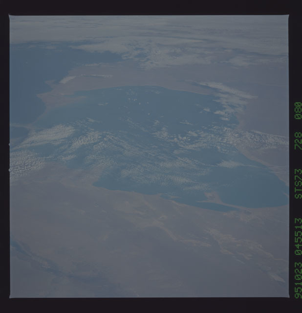 STS073-728-080 - STS-073 - Earth observations taken from shuttle orbiter Columbia