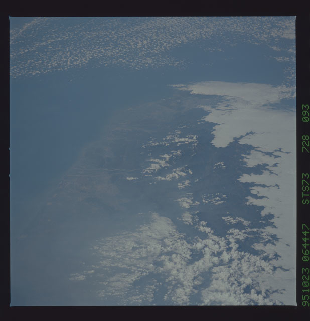STS073-728-093 - STS-073 - Earth observations taken from shuttle orbiter Columbia
