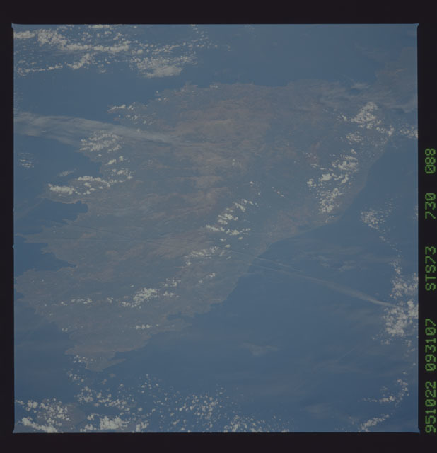 STS073-730-088 - STS-073 - Earth observations taken from shuttle orbiter Columbia