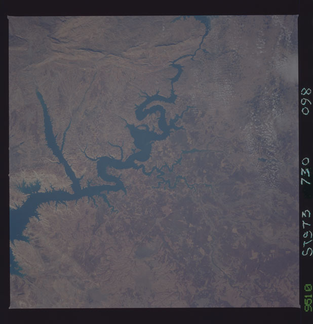 STS073-730-098 - STS-073 - Earth observations taken from shuttle orbiter Columbia