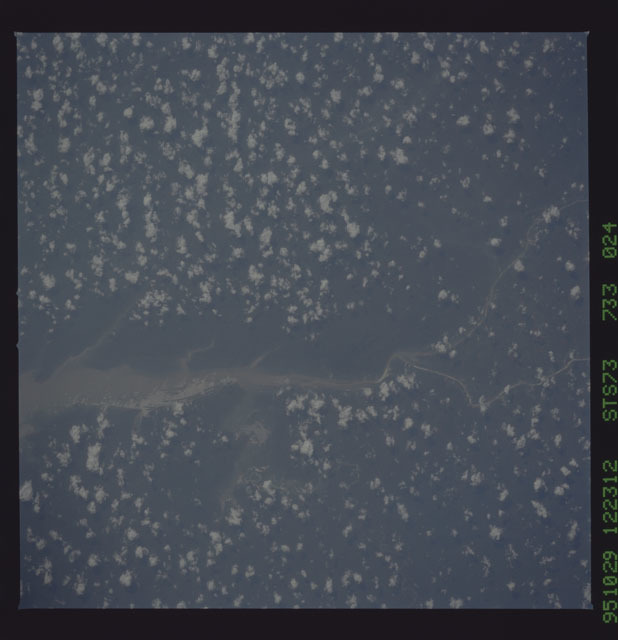 STS073-733-024 - STS-073 - Earth observations taken from shuttle orbiter Columbia