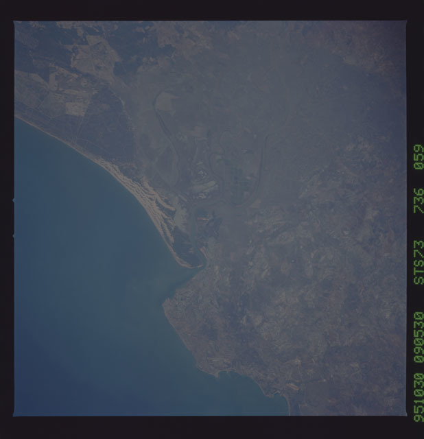 STS073-736-059 - STS-073 - Earth observations taken from shuttle orbiter Columbia