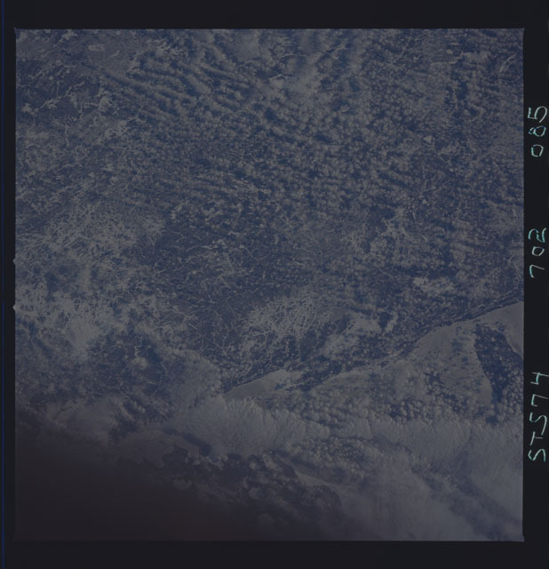 STS074-702-085 - STS-074 - Earth observations taken during STS-74 mission