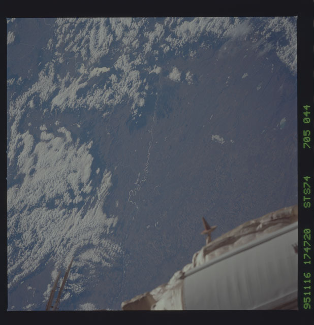 STS074-705-044 - STS-074 - Earth observations taken during STS-74 mission