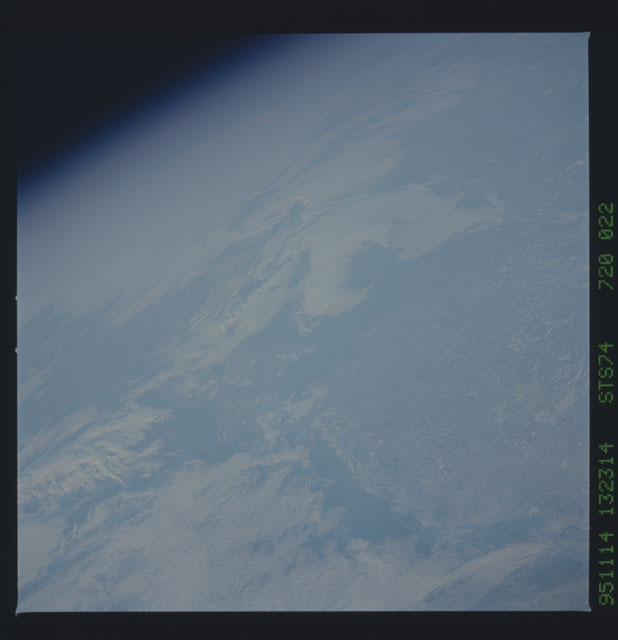 STS074-720-022 - STS-074 - Earth observations taken during STS-74 mission