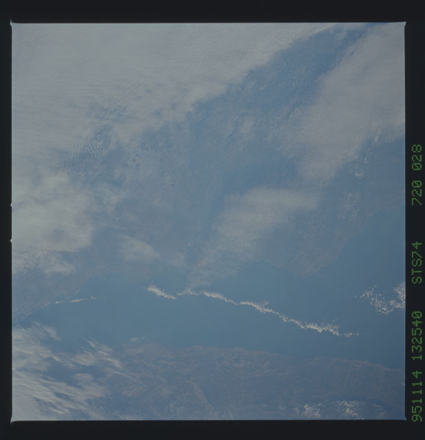 STS074-720-028 - STS-074 - Earth observations taken during STS-74 mission