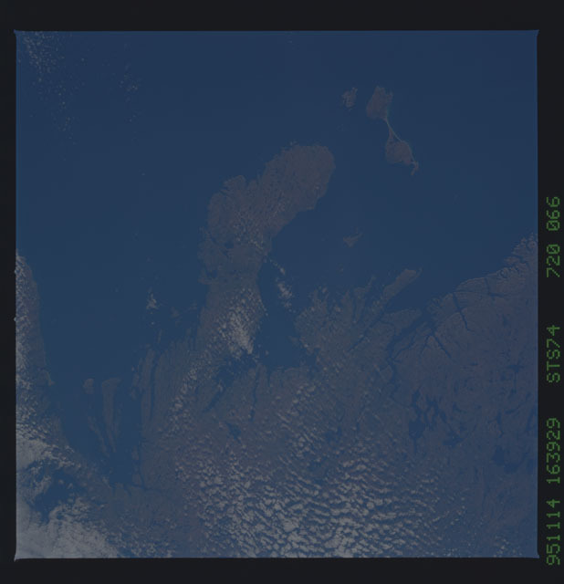STS074-720-066 - STS-074 - Earth observations taken during STS-74 mission