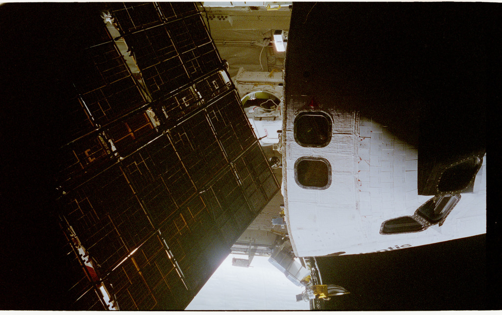 STS076-462-020 - STS-076 - View of the shuttle payload bay during EVA