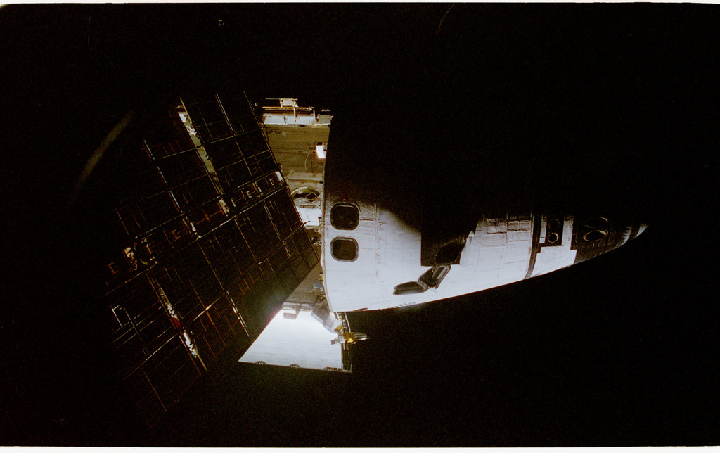 STS076-462-021 - STS-076 - View of the shuttle payload bay during EVA
