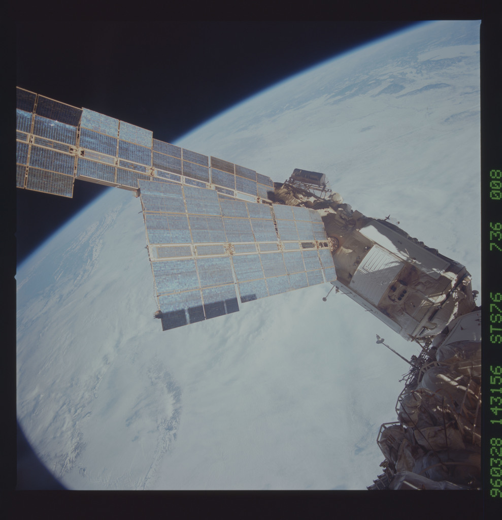 STS076-736-008 - STS-076 - Mir Space Station views taken during STS-76 mission