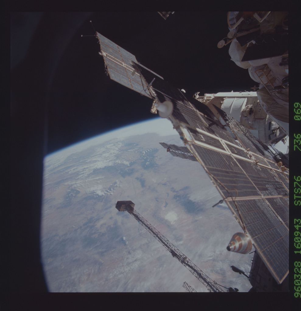 STS076-736-069 - STS-076 - Mir Space Station views taken during STS-76 mission