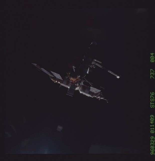 STS076-737-004 - STS-076 - Mir Space Station views taken during flyaround on STS-76 mission