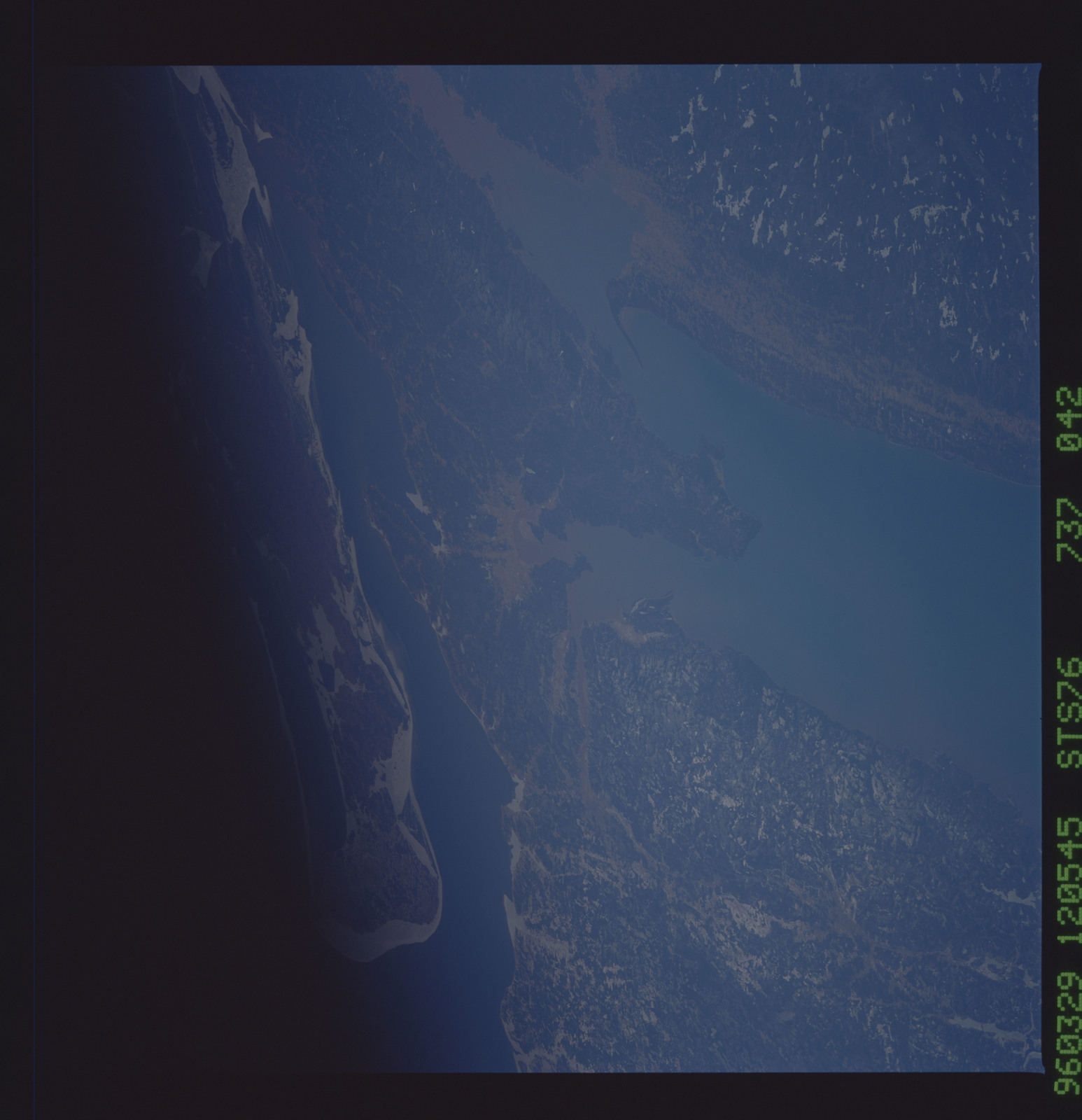 STS076-737-042 - STS-076 - Earth observations taken from shuttle orbiter Atlantis during STS-76 mission