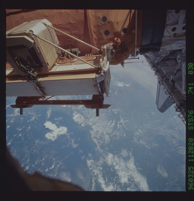 STS076-741-030 - STS-076 - Mir Space Station views taken during STS-76 mission