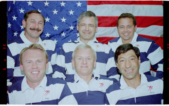 STS077-369-008 - STS-077 - STS-77 on-orbit portrait