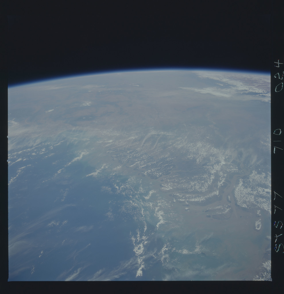 STS077-710-024 - STS-077 - Earth observations taken during STS-77 mission