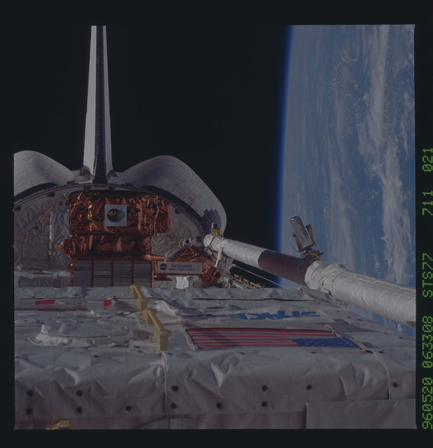 STS077-711-021 - STS-077 - Close-up view of SPARTAN satellite in Endeavour's payload bay