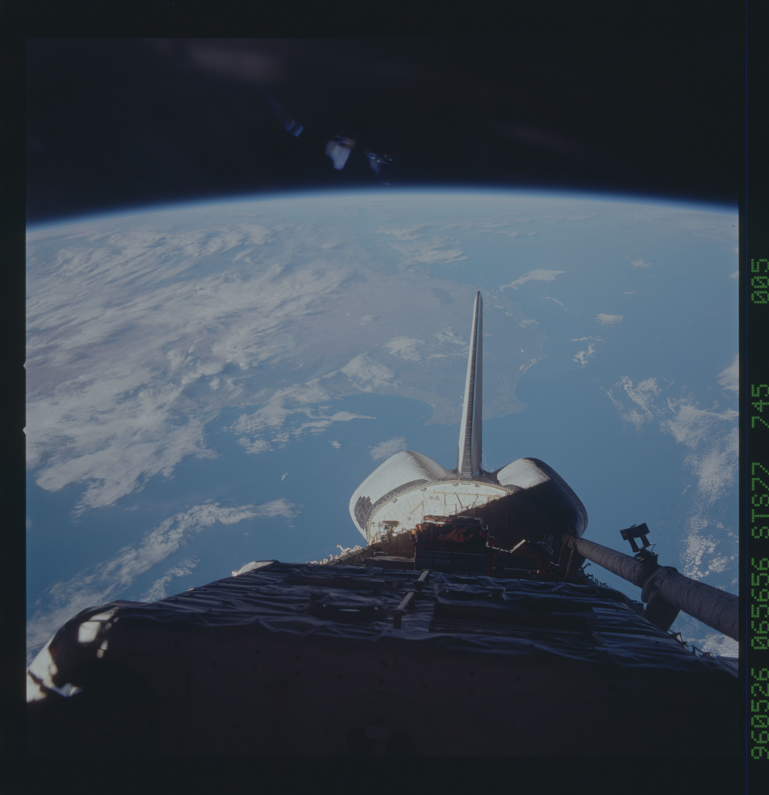 STS077-745-005 - STS-077 - View of the Endeavour's payload bay